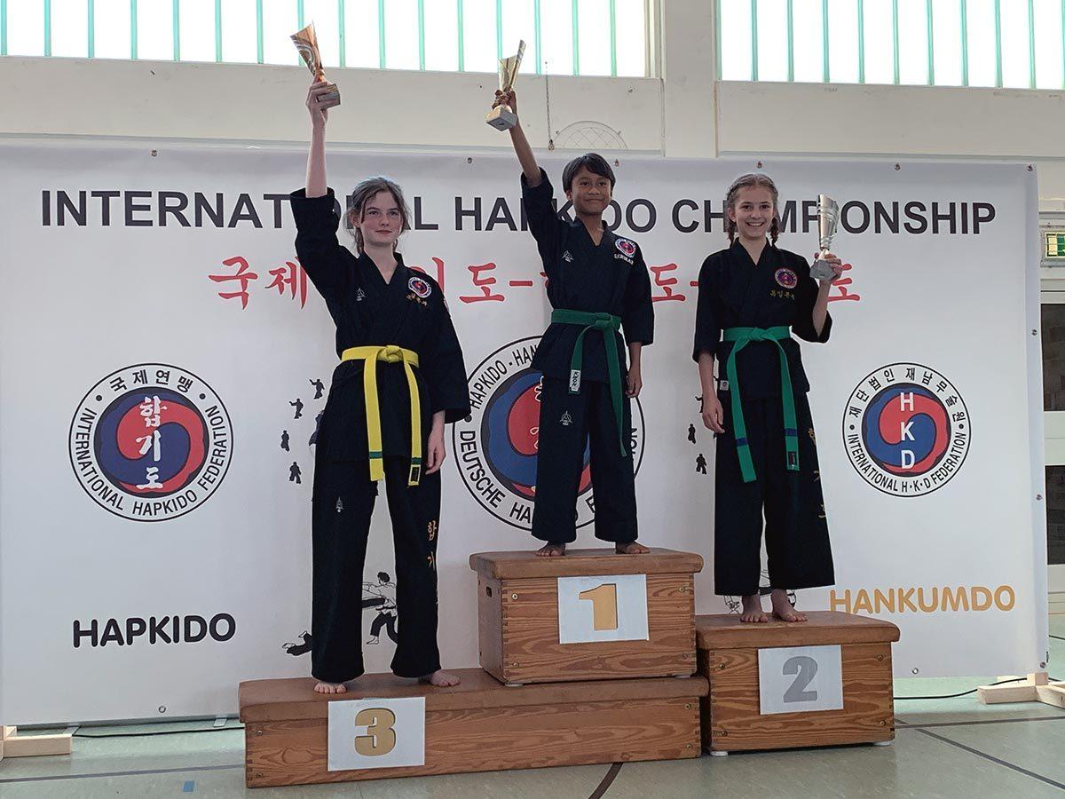 Meisterschaft 2019 Fallschule 2.Platz Karla 3.Platz Thea